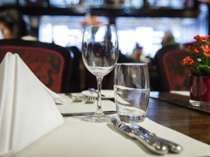 restauranttable_420x315